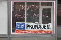 Prázdný obchod v Kravařově ulici v Prostějově. Ilustrační foto