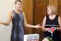 Tenistka Lucie Šafářová zavítala na prostějovskou radnici.