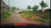 VIDEO: Jízda zaplavenými Pavlovicemi. Podívejte se na tu divočinu
