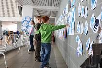 Výstava dětských výtvarných prací v prostějovských lázních