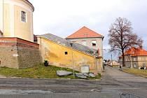 Kryté schodiště, které je součástí kostela sv. Jana Křtitele v Určicích a sloužilo jako přímé komunikační spojení s obcí, se stalo kulturní památkou