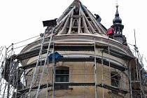 Oprava střechy kostela ve Výšovicích