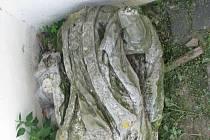 Barokní socha Jana Sarkandra hledá svého majitele