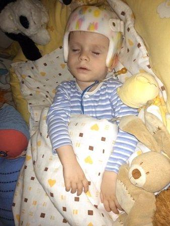 To, že se spříchodem dětí život vrodině mění, je přirozené. Aleně Koucké zProstějova se ale otočil orovných 360stupňů. Čtyřiadvacet hodin denně se stará osvé dva nemocné syny.