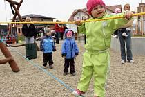 Otevírání dětského hřiště v Olšanech