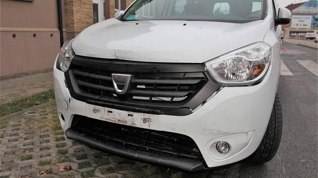 Nehoda dodávky a osobního auta v Olomoucké ulici v Prostějově