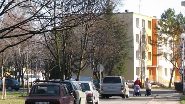 Nová parkovací místa budou v dohledné době k dispozici například v Dolní ulici.
