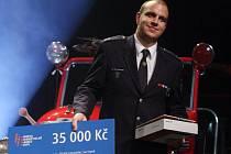 Petr Bohanes při přebírání ocenění v anketě Dobrovolní hasiči 2014
