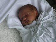 Kristýna Vykydalová, Dubčany, narozena 25. května v Prostějově, míra 47, váha 2600 g