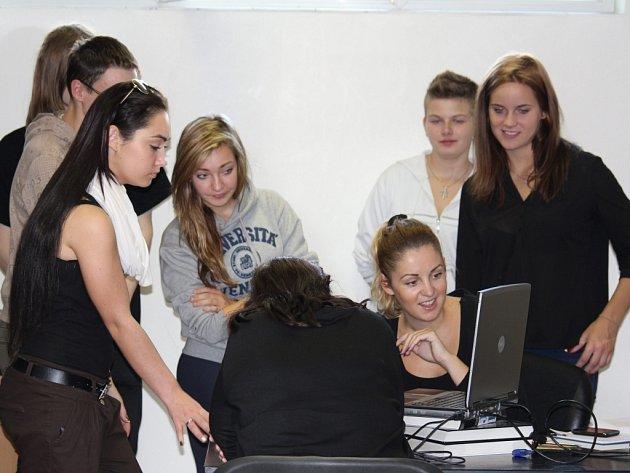 Exkurze studentů v redakci