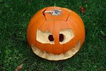 Halloweenské dýně v Seloutkách už svítí