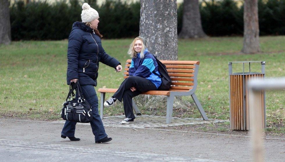 Redaktorka Prostějovského deníku v roli bezdomovkyně
