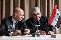 Bashar Akbik, chargé d'affaires Syrské arabské republiky v Česku, přijel do Prostějova podebatovat na akci protifašistických bojovníků.