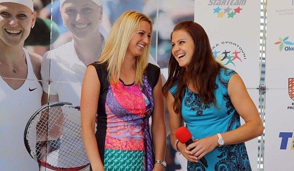 Setkání swimbledonskou vítězkou Petrou Kvitovou a Lucií Šafářovou vProstějově