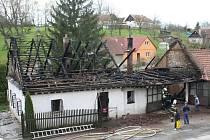 V Kladkách hořel rodinný dům