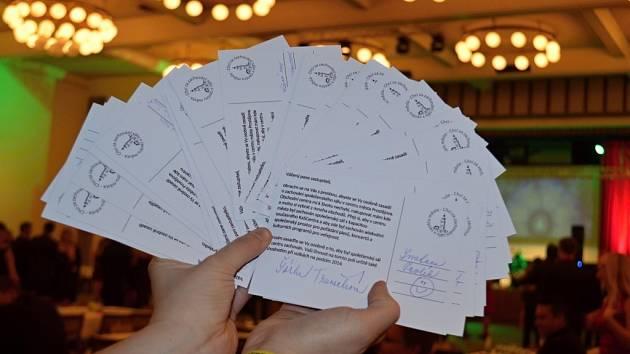 Boj za Kasko. Psaní dopisů  na radnici