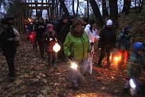 Na sto lidí vyrazilo ve Smržicích poprosit svatého Martina o bílé Vánoce.