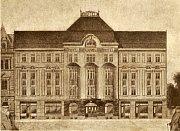 Vroce 1911 se rozhodl prostějovský Úvěrní spolek záložna a zastavárna postavit na vlastním pozemku vPalackého ulici hotel.