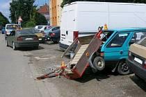 Nehoda mladíka v BMW v Okružní ulici v Prostějově