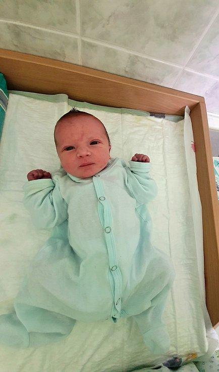 Filip Hrbáček, Skoky, narozen 14. dubna 2021 v Přerově, míra 48 cm, váha 2782 g