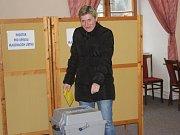 V Konici mají voliči možnost zároveň navštívit zdejší zámek