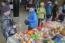Do prostějovského kina se sjeli prodejci a řemeslníci na velikonoční jarmark.