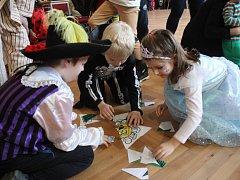 Děti zaplnily Pavlovickou sokolovnu a užily si karneval se soutěžemi.