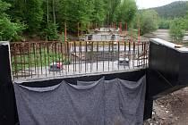 Stavba cyklostezkového mostu na plumlovské přehradě - 14. května 2021
