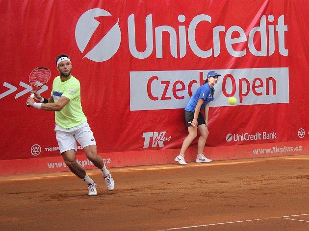 Na prostějovských kurtech probíhá první kolo turnaje Czech Open. Jiří Veselý