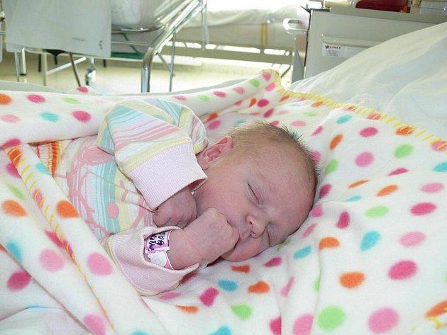 Karolína Šmudlová, Žarovice, narozena 15. srpna 2010, 51 cm, 3 500 g