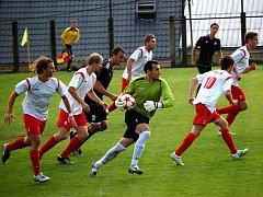Fotbalisté Konice (v bílém)