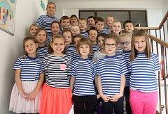 Žáci 1. třídy ze ZŠ Plumlov s paní učitelkou Janou Zelenou