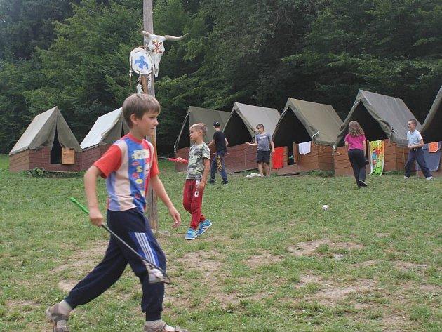 Indiánský tábor v Bělé nedaleko Kladek