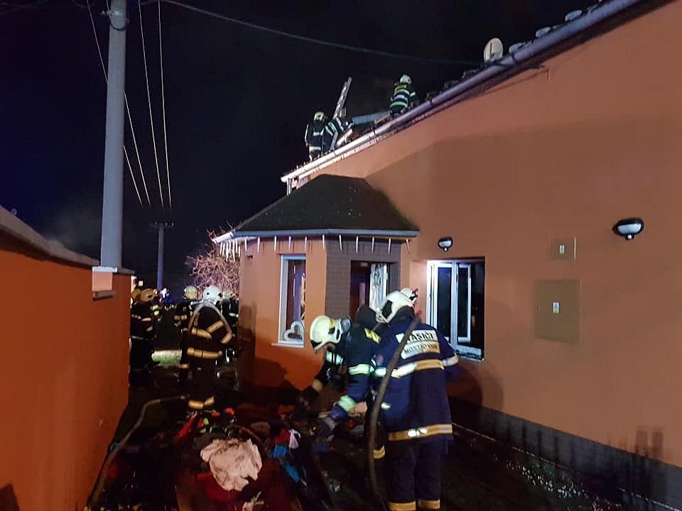 Požár rodinného domu v Mostkovicích - 15. 12. 2019