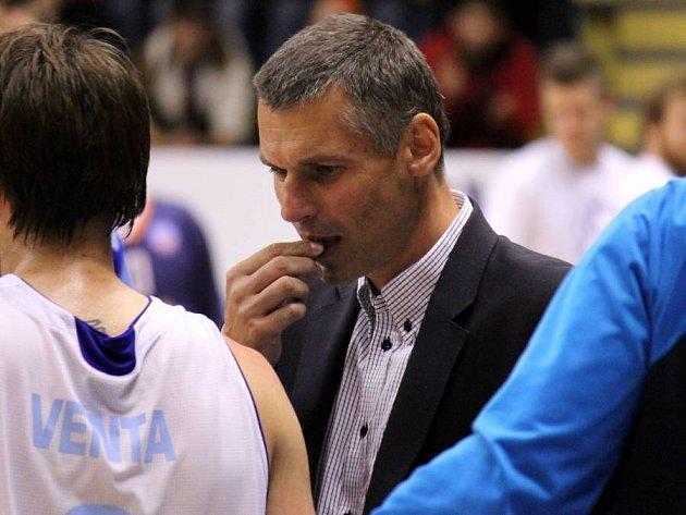 Trenér BK Prostějov Zbyněk Choleva