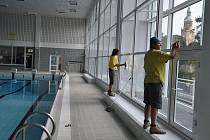 Prostějovské lázně zdobí nový strop a stěna