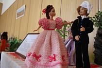 Prodejní výstava panenek na obecním úřadě ve Ptení