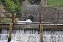 V pondělí 14. 9. začalo vypouštění plumlovské přehrady kvůli bagrování