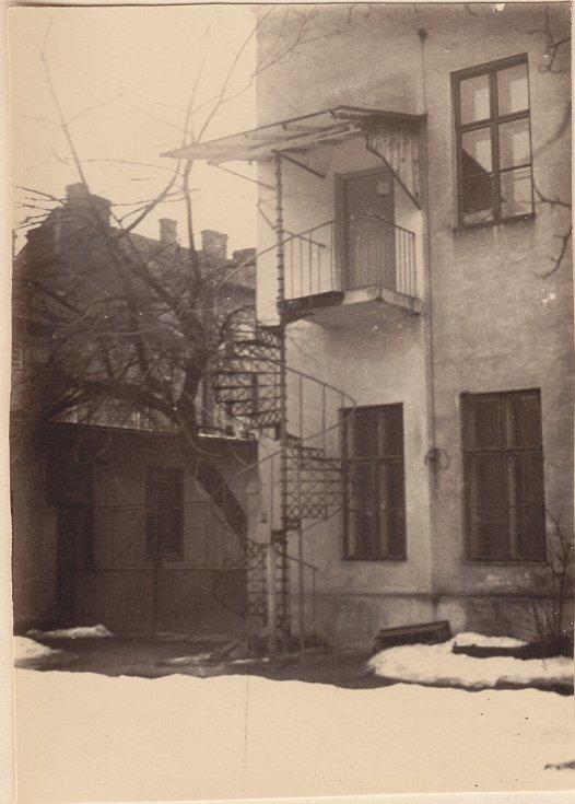 Po osvobození v r. 1945 se Cyrilometodějská jednota scházela ve spolkové místnosti v 1. patře Lidového domu na Vápenici.