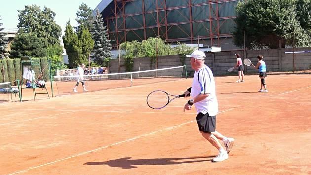 Senioři se utkali v turnaji veteránů.