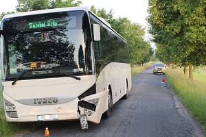Srážka autobusu s divočákem mezi obcemi Prostějovičky a Alojzov