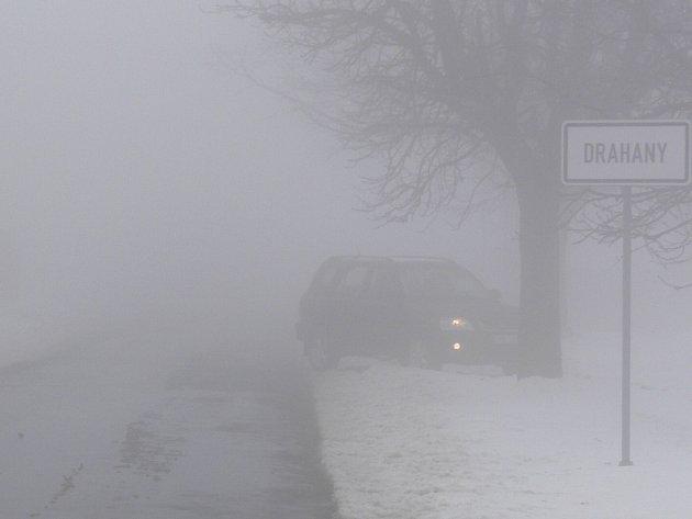 """Na tomto místě mají řidiči často problémy. Brzy tady bude stát nová dopravní značka """"zimní výbava""""."""