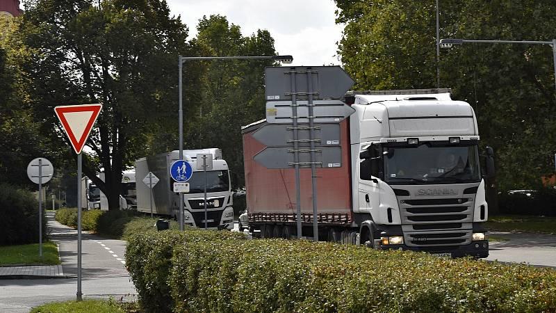 Centrum Prostějova je ucpané vinou nehody na D46 kamiony. Na Brněnské, Dolní a Olomoucké ulici se tvoří kolony. 23.9. 2021
