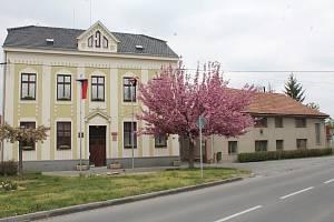 Dům vedle smržické radnice by měl nahradit komunitní dům pro seniory