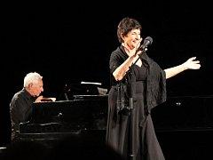 Koncert Piaf známá neznámá v prostějovském divadle