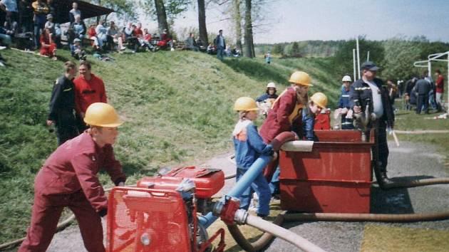 Mladí hasiči z Lešan na závodech