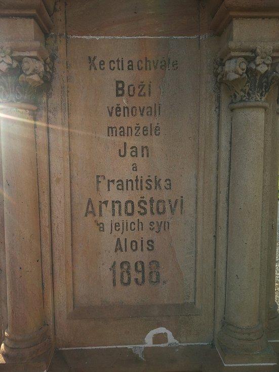 Kamenný kříž vHrubčicích na Prostějovsku se stal kulturní památkou.