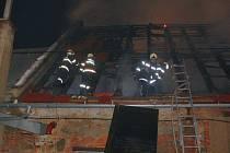 Požár výrobny nábytku v Plumlově