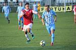 Fotbalisté Prostějova (v modrém) vybojovali s Pardubicemi cennou remízu.