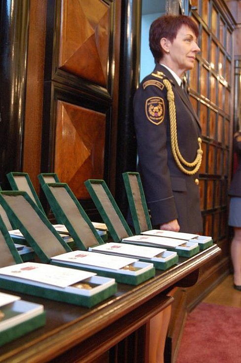 Hasičský slib a předávání medailí Za věrnost